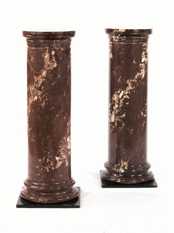 Coppia di colonne portavaso in legno pitturato a finto marmo ...
