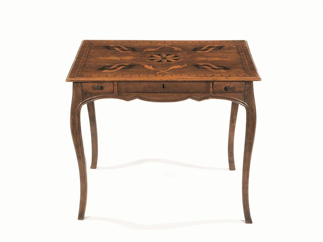 Tavolino emilia fine secolo xviii mobili ed oggetti d for Asta mobili antichi