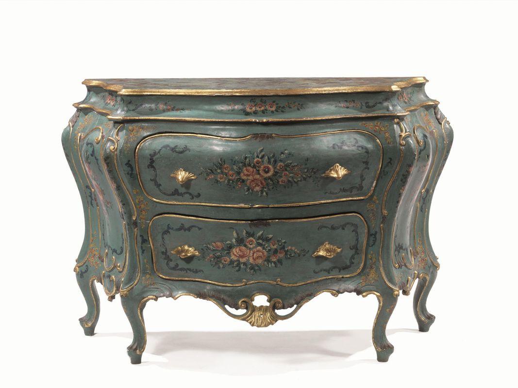 Mobili ed oggetti d 39 arte asta mobili ed arredi antichi for Asta mobili antichi