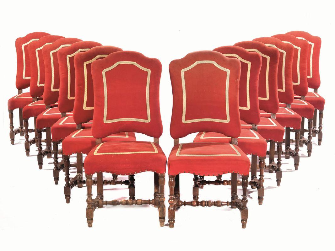 Dodici sedie in stile seicento mobili ed oggetti d 39 arte for Sedie importanti