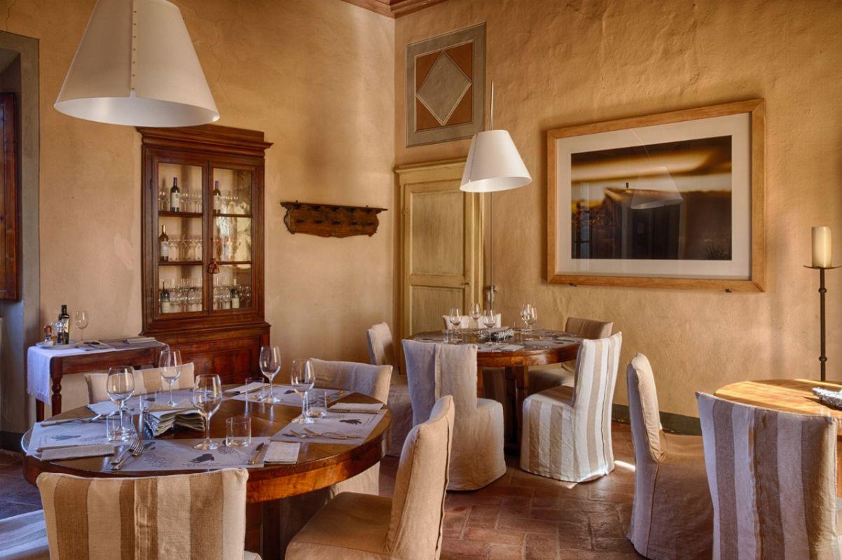Castello di ama gaiole in chianti siena asta asta airc for Soggiorno castello