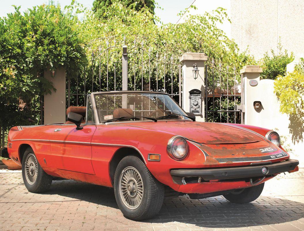 Alfa romeo 2000 spider veloce niki lauda 1978 auto for Interieur alfa spider 2000