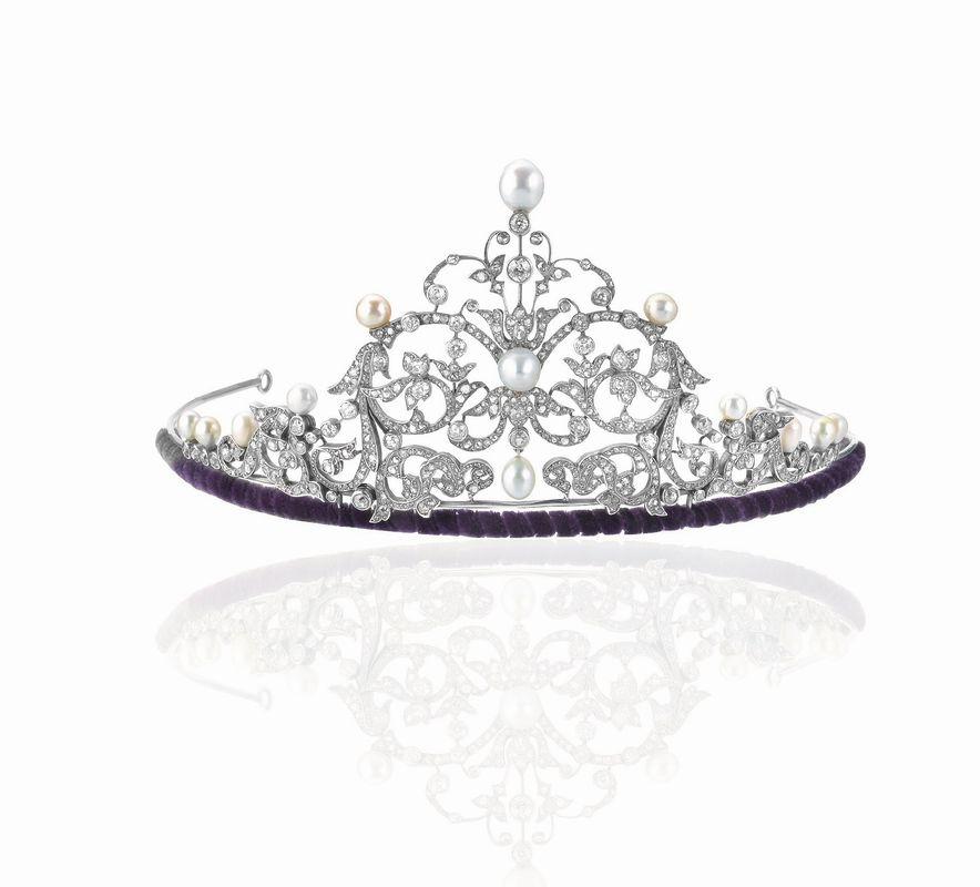 Tiara in argento oro diamanti e perle naturali for Tiara di diamanti