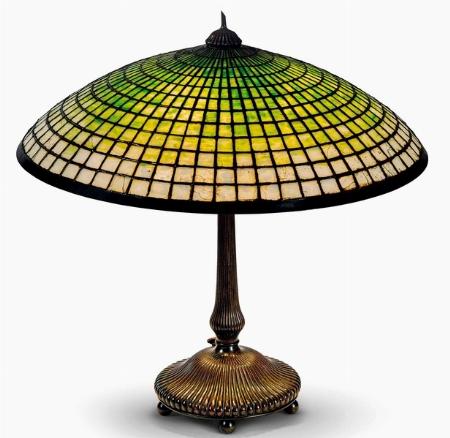INTERNATIONAL FINE ART DA PANDOLFINI: UNA LAMPADA FIRMATA TIFFANY - News